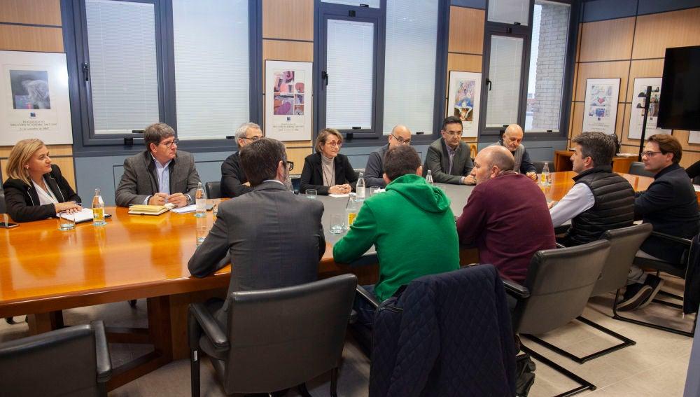La Universitat Jaume I y Xarxatec colaborarán en formación dual y prácticas en el extranjero a través del programa UJI World