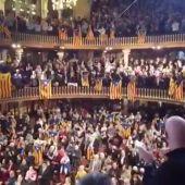 Gritos a favor de los presos y de 'Tsunami Democràtic' en el concierto de San Esteban del Palau de la Música Catalana