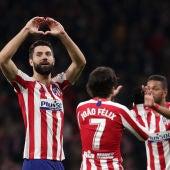 Los jugadores del Atlético celebran el gol ante el Levante