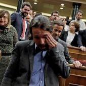 Pablo Iglesias, emocionado tras la investidura de Pedro Sánchez