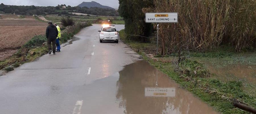 """El torrent de Ses Voltes, a su paso por Sant Llorenç, ha vuelto a desbordarse a causa de las intensas precipitaciones causadas por la borrasca """"Gloria"""""""