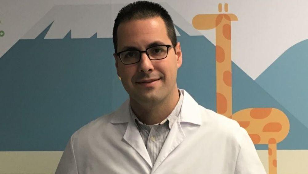 El doctor Ruiz recomienda vigilar los catarros en menores de un año para detectar la bronquiolitis