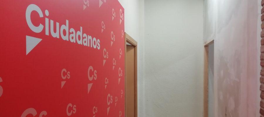 Espacio en el que se ha instalado una pared para separar los despachos que ocupaba Cs.