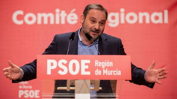 La España que madruga: La reunión de Ábalos con la número dos de Maduro mantiene en vilo al gobierno