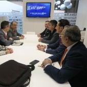 Responsables del Grupo Cursach en una reunión con el Alcalde de Calvià, Alfonso Rodríguez, en FITUR.