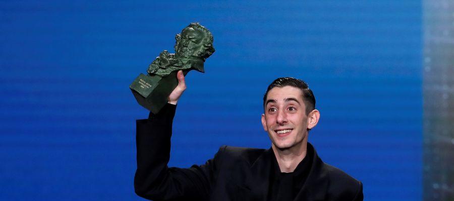 Enric Auqer recibe el Goya a mejor actor revelación por 'Quien a hierro mata'