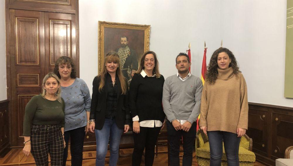 La presidenta de la Diputación recibe a la alcaldesa de Autilla del Pino.