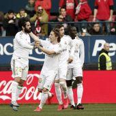 El Real Madrid celebra el gol de Isco ante Osasuna