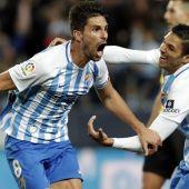 Adrián y Antoñín celebran el gol del Málaga