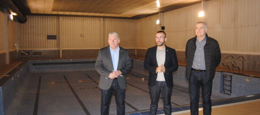 L´alcalde José Benlloch junt amb el regidor d´Esports, Javier Serralvo i tècnics del SME han visitat les instal-lacions d´Aiguasalut.