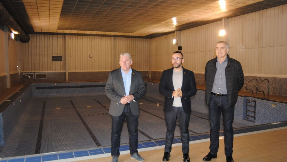 ARXIU || L´alcalde José Benlloch junt amb el regidor d´Esports, Javier Serralvo i tècnics del SME han visitat les instal-lacions d´Aiguasalut.