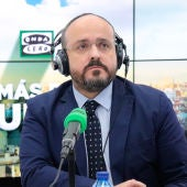 El presidente del Partido Popular en Cataluña, Alejandro Fernández, en el estudio de Onda Cero