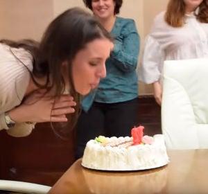 """Carlos Alsina comenta la sorpresa a Irene Montero por su cumpleaños: """"Deberían titular esta serie de vídeos Mi ministerio y yo"""""""