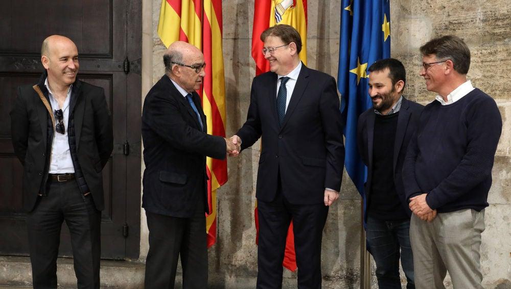 Puig y Ezpeleta han celebrado el acuerdo de prórroga.