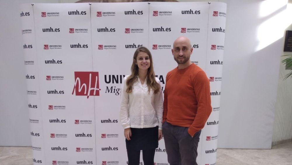 Melissa Belló y Alberto Falcó, investigadores de la UMH de Elche.