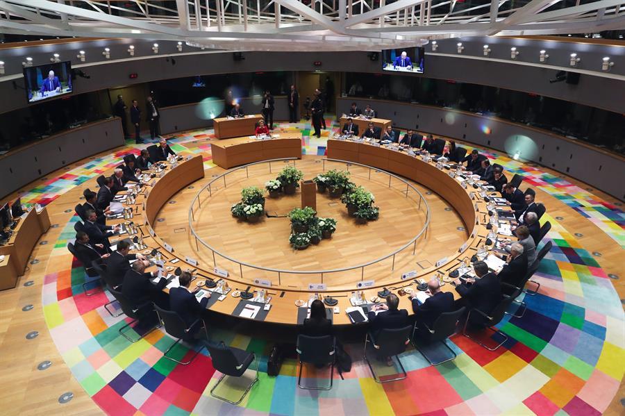 La Brújula de la economía: La crisis en Bruselas y los falsos autónomos