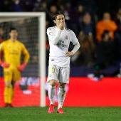 Modric se lamenta tras el gol del Levante