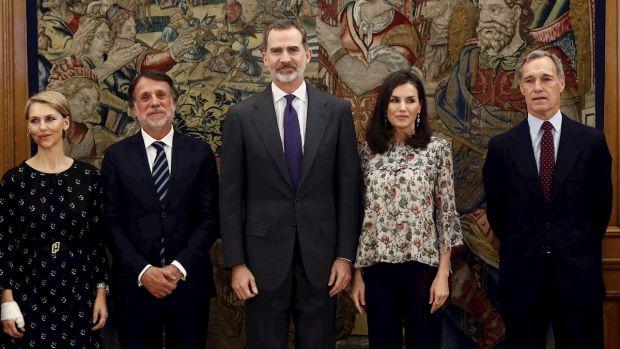 Los Reyes reciben al Consejo de Administración de Atresmedia por el 30 aniversario de Antena 3