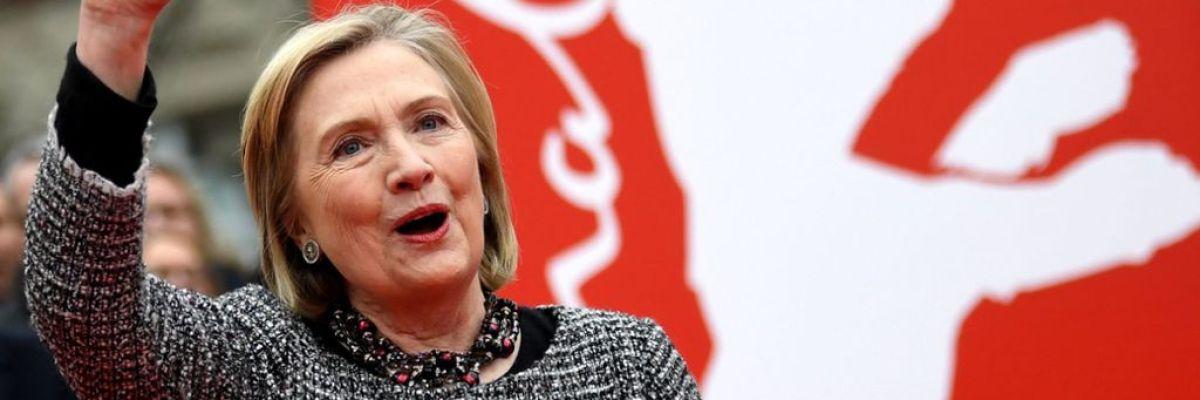 """Hillary Clinton presenta en Berlín el documental en el que ajusta cuentas con Sanders: """"Nadie quiere trabajar con él"""""""