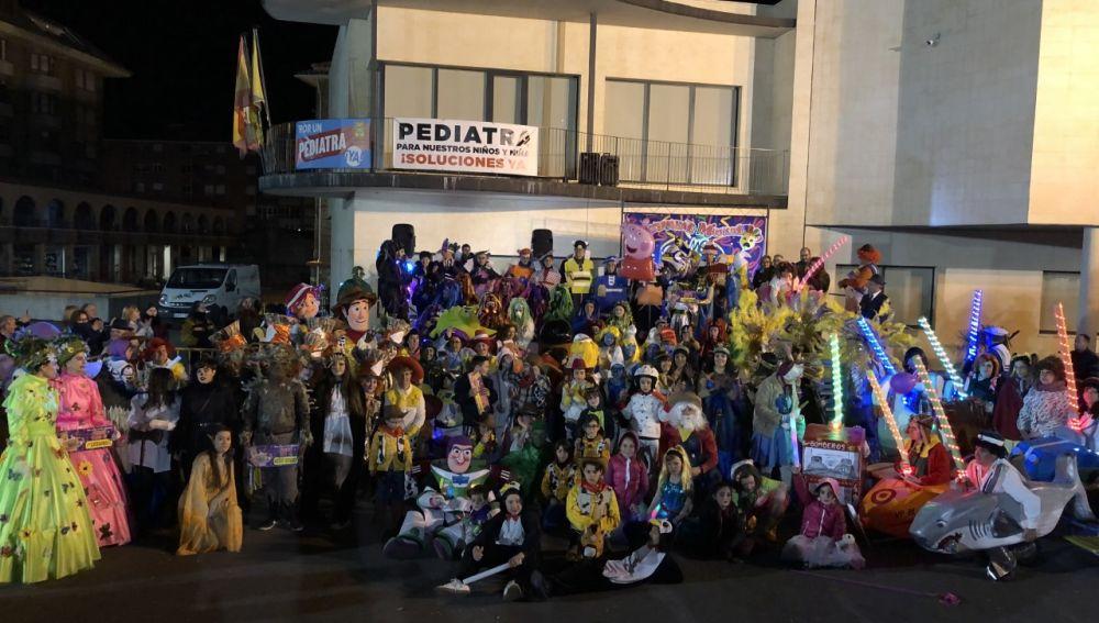 Más de 500 personas han participado en los desfiles del sábado y lunes.