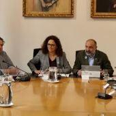 Catalina Cladera, junto a Andreu Serra, en una reunión del consejo asesor de la Fundación Turisme Mallorca