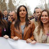 Villacís y Lorena Roldán en la manifestación por el Día de la Mujer