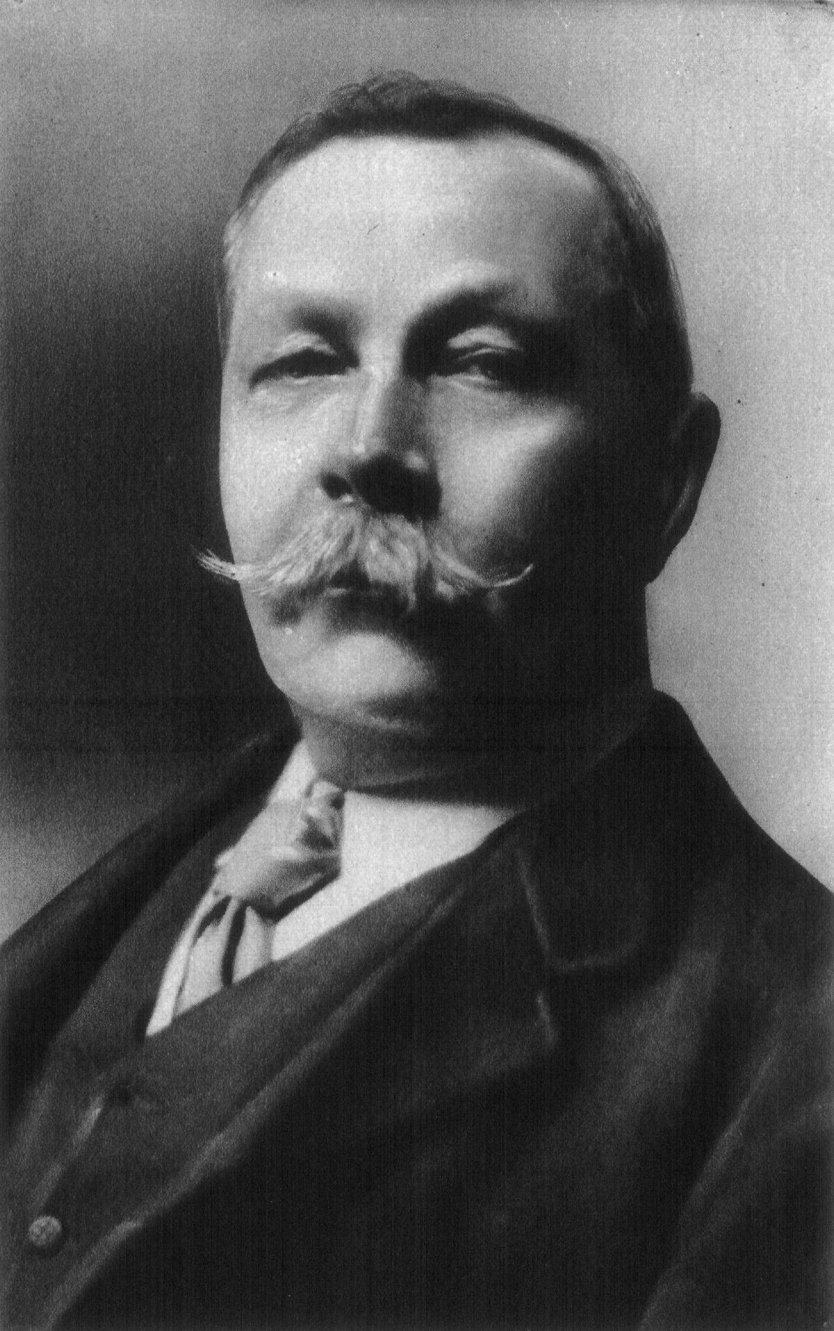 Mujeres con Historia: Las mujeres de Conan Doyle y el espiritismo