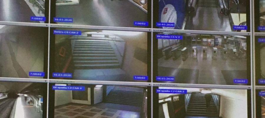 Viajeros en Metro de Madrid 16/03/2020