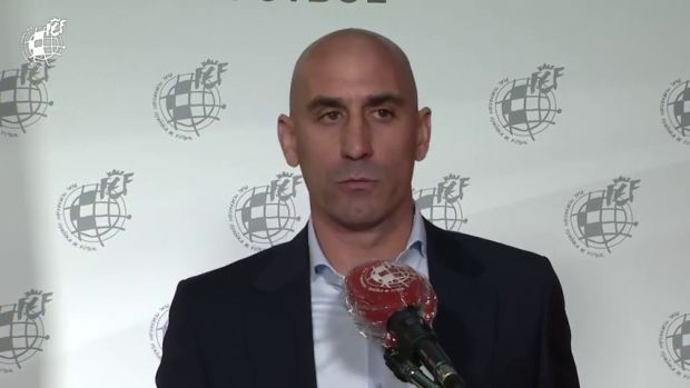 """Luis Rubiales, sobre posibles ERTES en el fútbol modesto: """"Hay que flexibilizar todos aquellos pagos que han llegado posteriores al coronavirus"""""""
