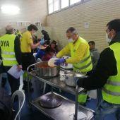 Los voluntarios de DYA se están volcando con los más necesitados y cuentan con el apoyo de empresas ilicitanas como Bingo Libertad.