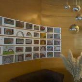 El hotel Rey Sancho recibe a los sanitarios con mensajes de apoyo de la sociedad palentina