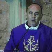 Raúl López de Toro durante la misa que ofició vía streaming