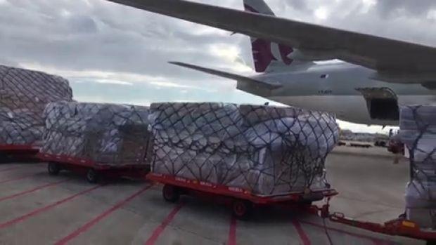 Aterriza en Barajas el avión con 82 toneladas de material sanitario