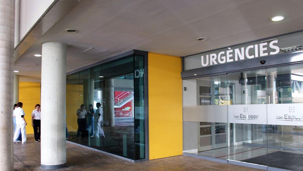 Entrada al servicio de Urgencias en el Hospital Son Espases.