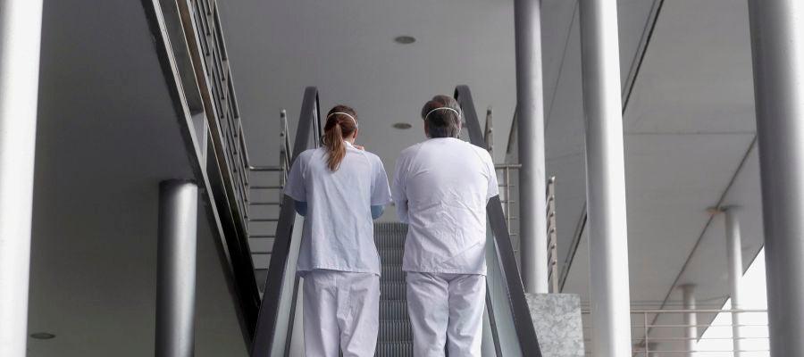 Dos médicos