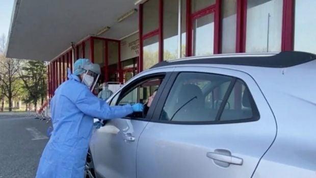 ¿Cómo se realizan los test del coronavirus en otros países?