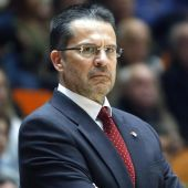 El entrenador de baloncesto, Pedro Martínez.