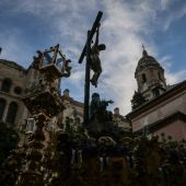 Cofradía del Amor y Caridad en el Viernes Santo de la Semana Santa de Málaga