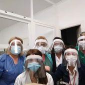 Cruz de Humilladero fabrica máscaras de protección