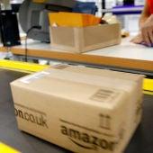 Paquete en un centro logístico de Amazon