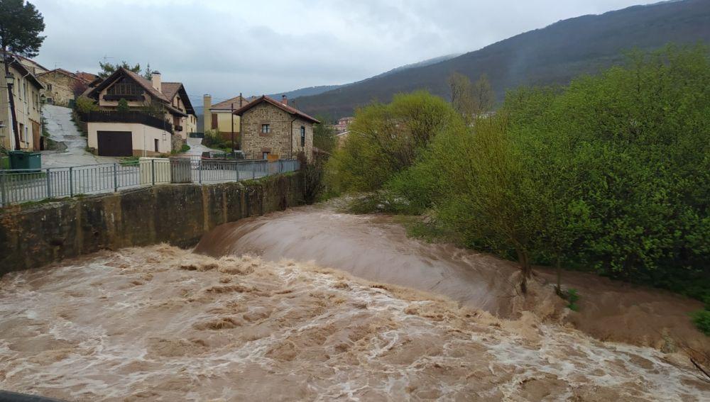 Barruelo de Santullán urge a la Confederación Hidrográfica del Duero a ejecutar las obras de emergencia aprobadas en el Rubagón