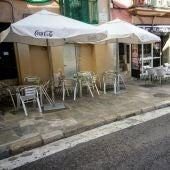 Terraza de bar en una calle del centro de Palma