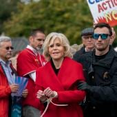 La actriz Jane Fonda, arrestada durante una protesta por el clima en el Capitolio de EEUU