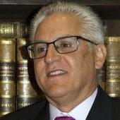 Luis Santos, alcalde de Alhambra