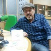 Javier Ruibal, durante una entrevista en Onda Cero