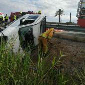 Accidente de tráfico en la AP-7 a la altura de la salida de Catral.