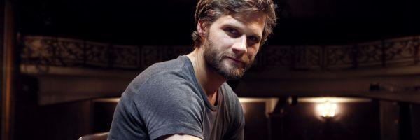 """Alexis Michalik: """"El teatro tiene mala imagen entre quienes no lo conocen"""""""