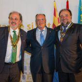 Salvador Sanchez y Joaquín Garrido con Arturo Alagón, Gobernador del distrito Rotario