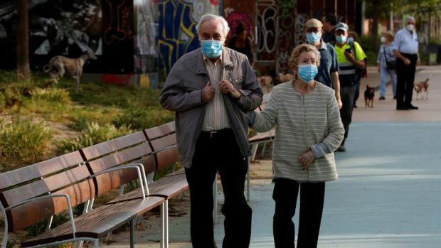 laSexta Noticias 20:00 (18-05-20) El uso de mascarillas será obligatorio en espacios cerrados y en la calle cuando no se pueda mantener distancia