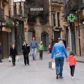 Ciudadanos paseando durante el estado de alarma por el coronavirus